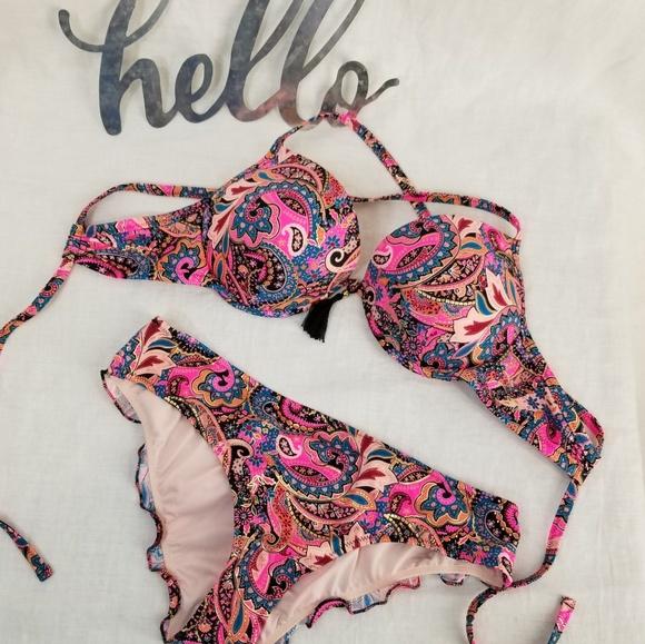 Shade & Shore Other - Bikini Underwire Top Ruffled Cheeky Bottom NWOT